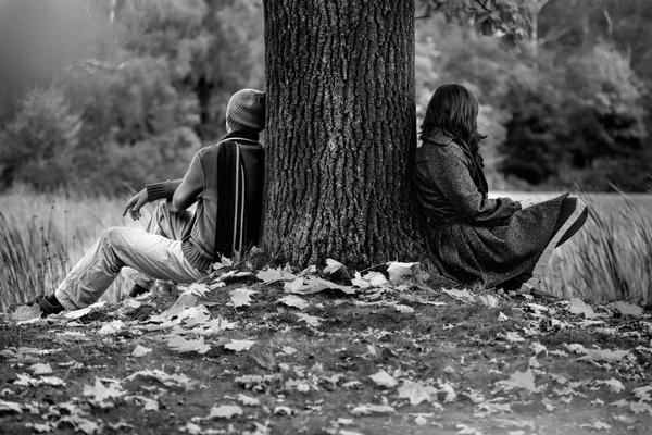 couple-tree-bw